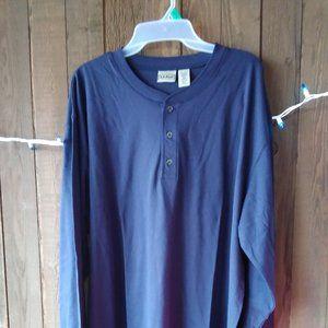 L.L. Bean Men's long sleeve cotton shirt dark blue